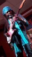 LeBurn Madddox dołącza doartystów Gitarowego Rekordu Guinnessa