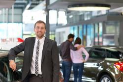 Bądź kierownikiem sprzedaży wsalonie BMW