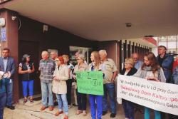 Protest na Gajowicach. Mieszkańcy: chcemy centrum kultury isportu