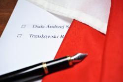 Trzaskowski zDudą jak Legia zLechem? Bukmacherzy przewidują wyniki drugiej tury wyborów prezydenckich
