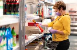 W małych sklepach nie ma godzin dla seniorów ilimitu klientów